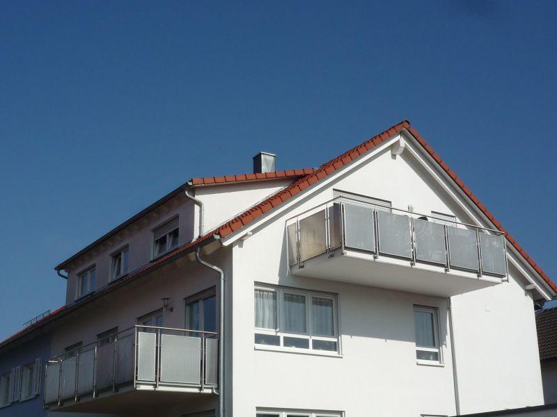 urbach sonnige 3 zi dg whg mit balkon. Black Bedroom Furniture Sets. Home Design Ideas